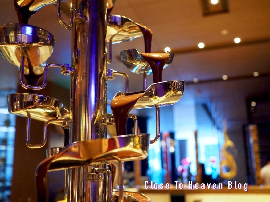 บุฟเฟ่ต์ Sunday Brunch: Twenty Seven Bites โรงแรม Radisson Blu Bangkok