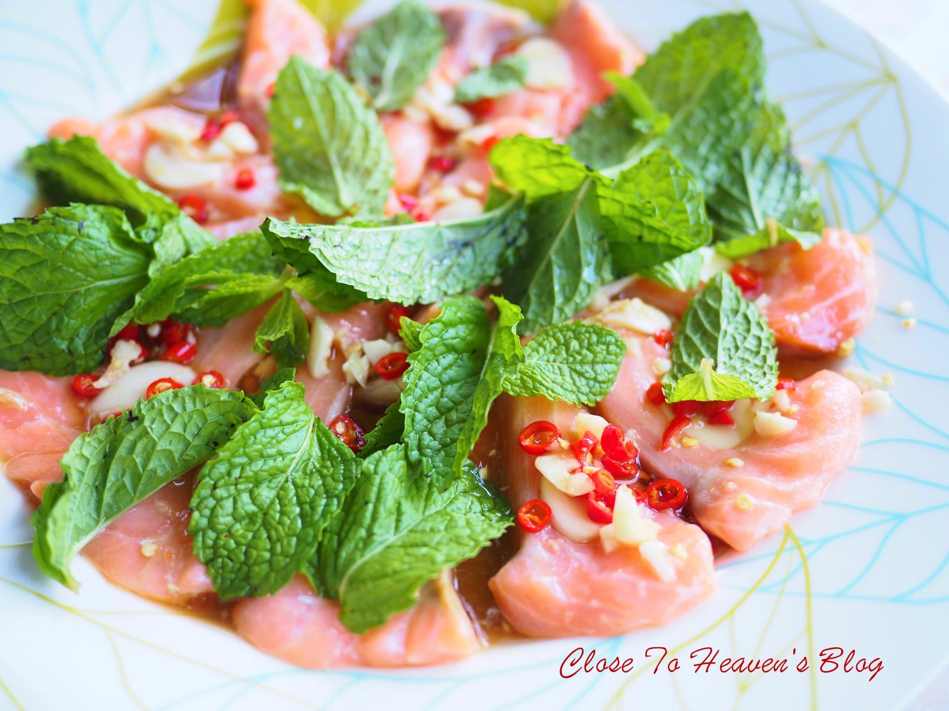 แซลมอนแช่น้ำปลา Salmon in fish sauce