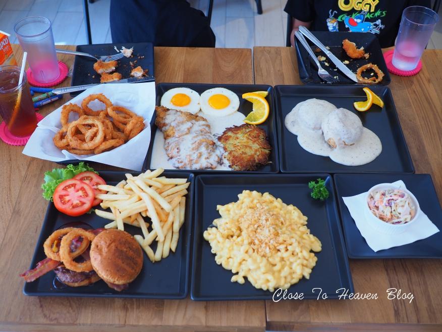 City Skyline ร้านอาหารสไตล์ American Diner Bangkok