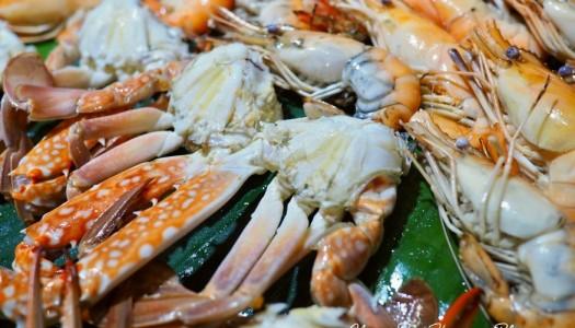 Pullman Pattaya Hotel G ตอนที่ 2: บุฟเฟ่ต์มื้อเย็น International Seafood BBQ Buffet